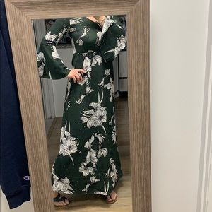 floor length floral dress with bell sleeves 🐛
